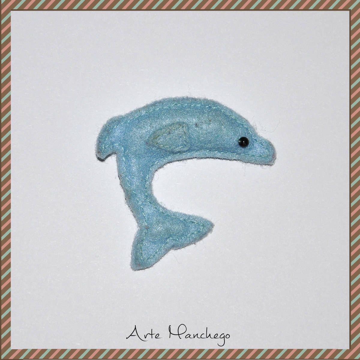 Broche de delfín