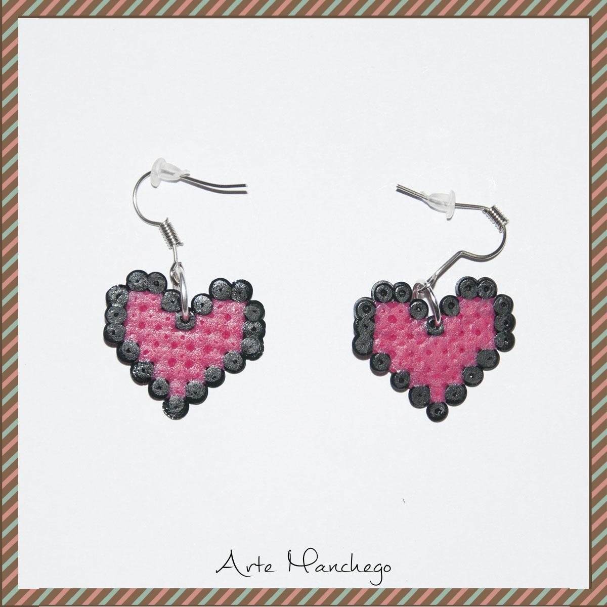 Pendientes de corazón San Valentín Fucsia con borde negro